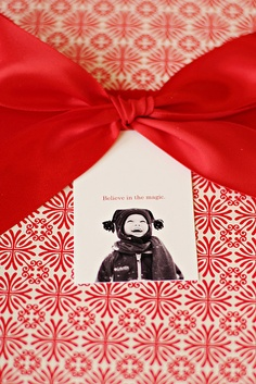 red gift wrapping bow ribbon family photos