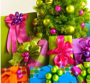 colourful christmas ornaments ribbon wrapping ideas
